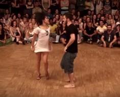 pareja baila - portada